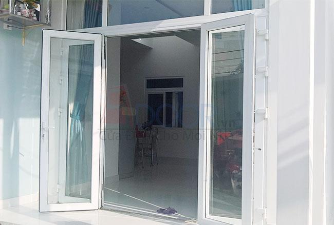 Mẫu cửa nhựa lõi thép 4 cánh mở quay – Sự lựa chọn hoàn hảo cho ngôi nhà của bạn.