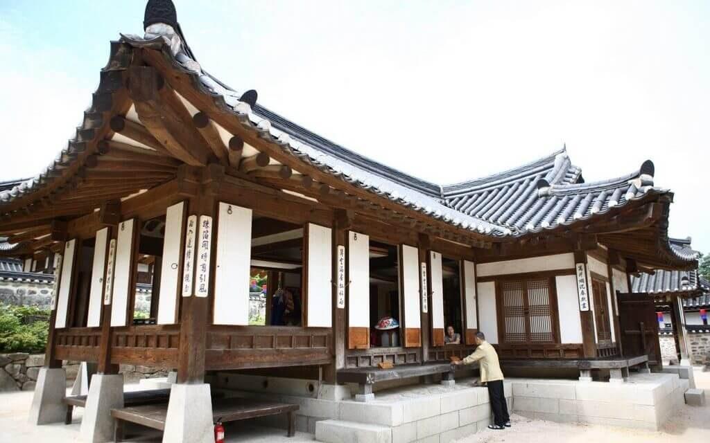 Tham quan kiến trúc ngôi nhà truyền thống Hanok ở Hàn Quốc