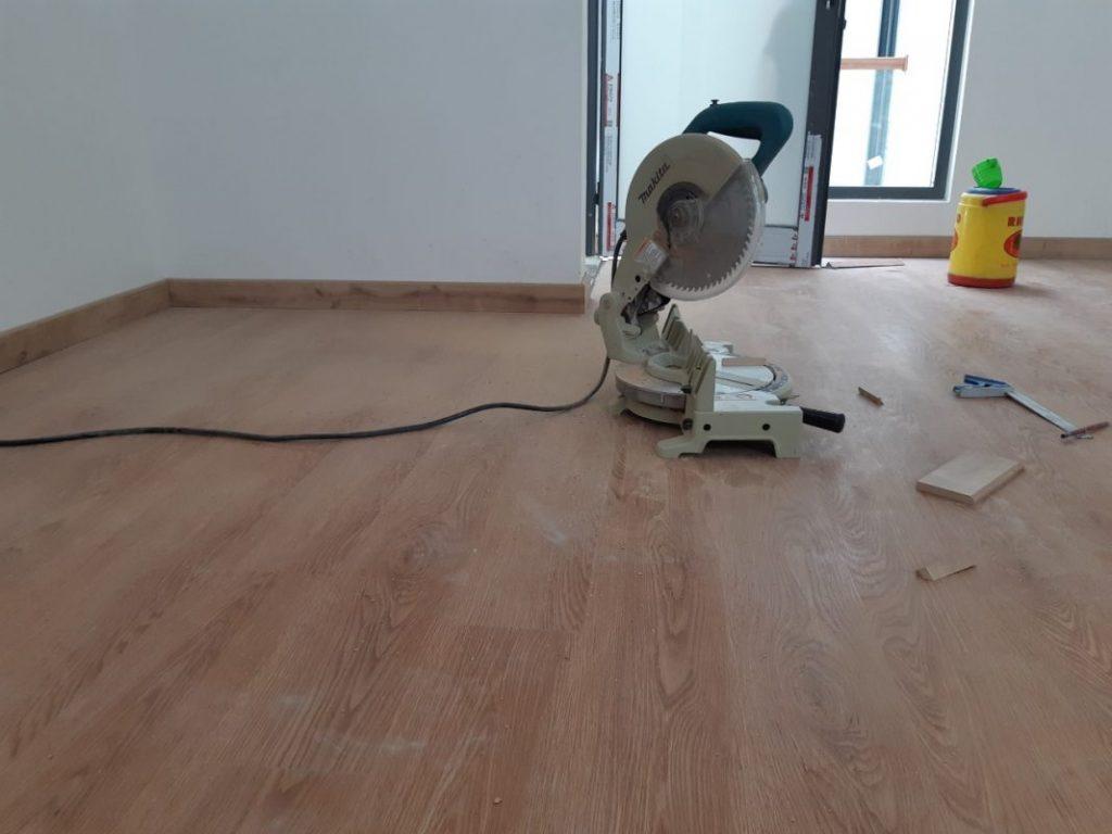 Lắp đặt sàn gỗ Malaysia cho công trình nội thất cần chuẩn bị những gì?
